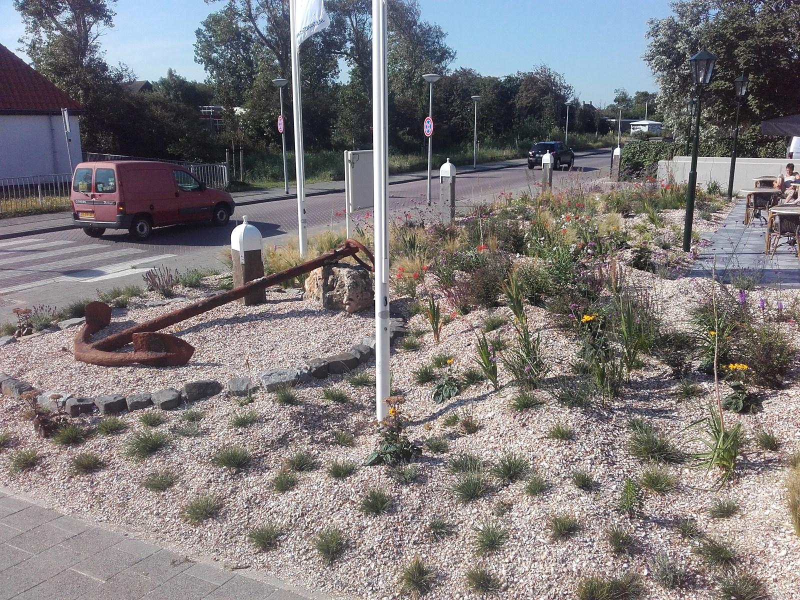 Tuinaanleg tuinontwerp tuinonderhoud schagen alkmaar for Ontwerp voortuin met parkeerplaats